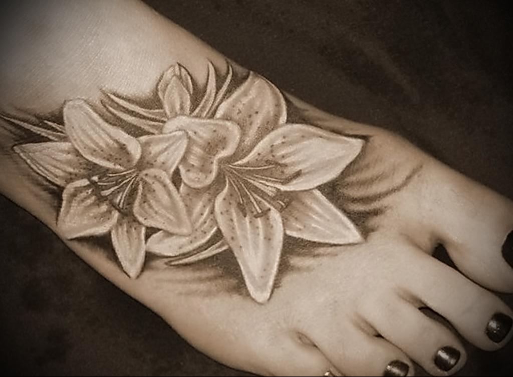Значение татуировки лилия 10