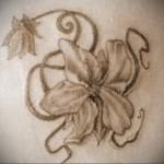 Значение татуировки лилия 6