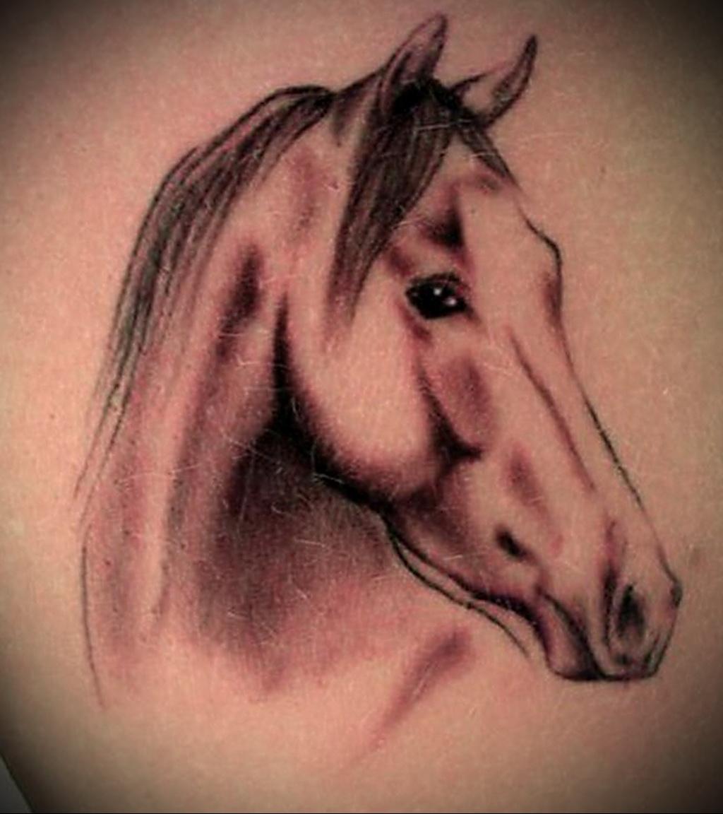 Значение татуировки лошадь 4