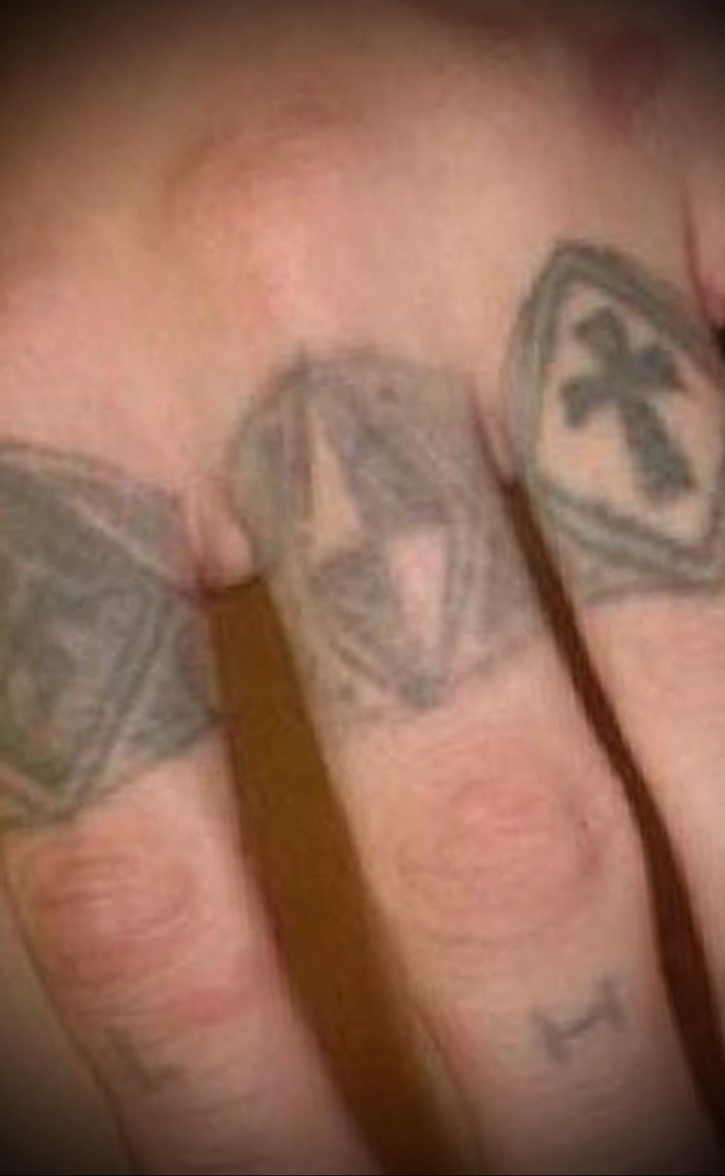 Значение татуировки перстни 4