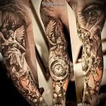 Крупная тату в стиле реализм на всю руку