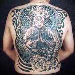 большой идол - татуировка на спине мужская фото