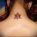 звезда давида - татуировка на шее женская - фото