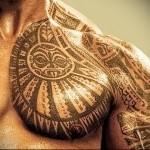 классика маори тату - мужская татуировка на грудь