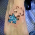 кусочек пазла татуировка на ноге мужская