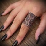 морда тигра - татуировка на пальце женская (тату, tattoo)