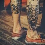 олд скул классика татуировка на ноге мужская