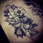 рисунок для татуировки нож и цветы