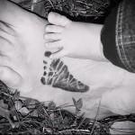 след ребенка татуировка на ноге мужская