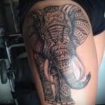 слон с узорами на ногу для девушки тату