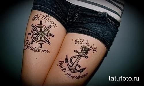татуировка канаты - якорь и штурвал на ногу для девушки