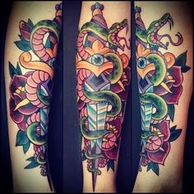татуировка кинжал на руке