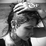 татуировка мандала на женской голове