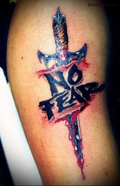 татуировка нож и надпись нет страху