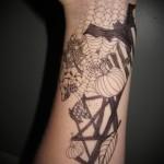 татуировка паутина и летучая мышь