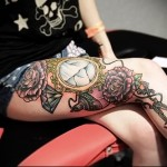 татуировка разбитое зеркало на ногу для девушки