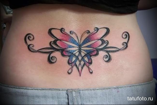 тату бабочка-стрекоза - татуировка на пояснице женская фото