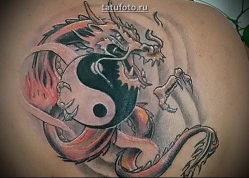 тату инь янь с драконом
