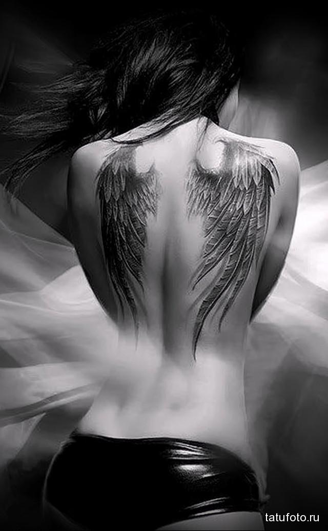 тату крылья на лопатках 9