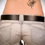 тату необычная бабочка - татуировка на пояснице женская фото