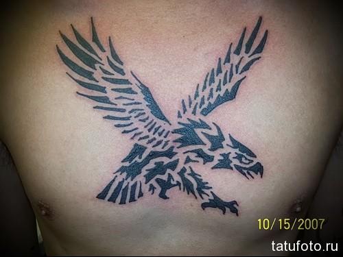 тату орел как трафарет - мужская татуировка на грудь