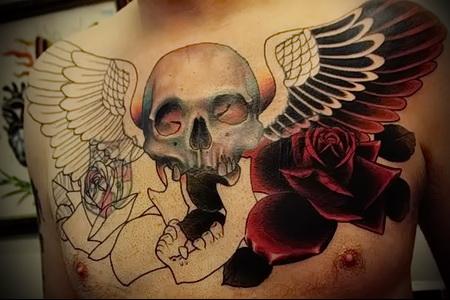 тату череп с крыльями 1