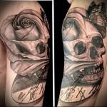 тату череп <i>черепами</i> с розами