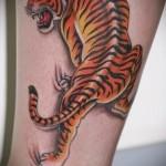 тигр татуировка на ноге мужская
