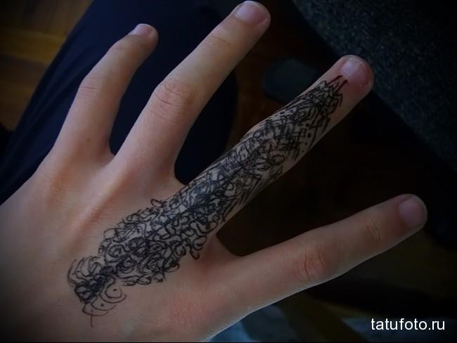 узоры линиями - татуировка на пальце женская (тату, tattoo)