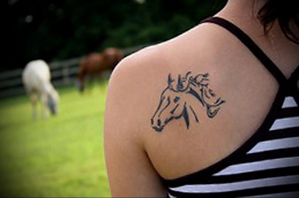 Значение татуировки лошадь 1