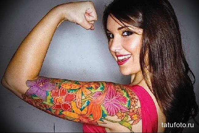 яркая цветная тату (рукавом) для девушки