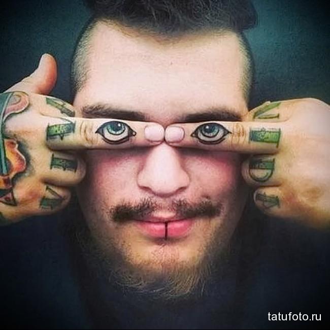 глаза в татуировке на пальцах для мужчины