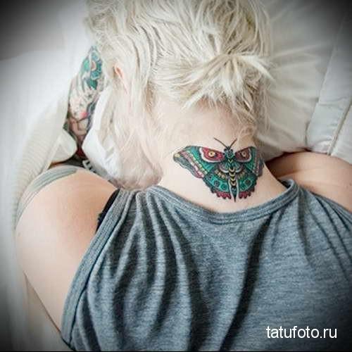 зеленая бабочка - татуировка на шее женская - фото