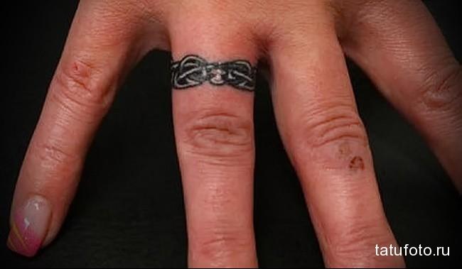 красивое колечко - татуировка на пальце женская (тату, tattoo)