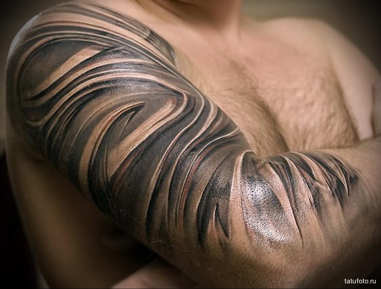 оригинальные разводы тату - - мужская татуировка на плече