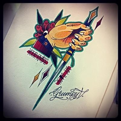 оригинальный, яркий и цветной рисунок для татуировки с ножом