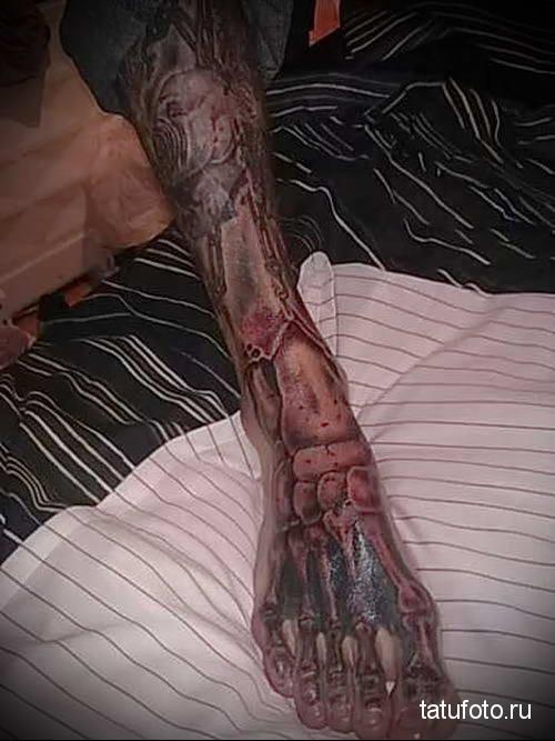 скелет ноги - татуировка на стопе мужская - фото