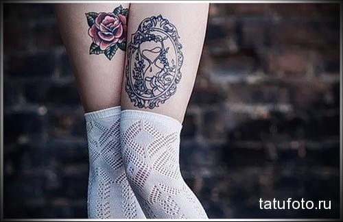 татуировка зеркало и песочные часы на ноге