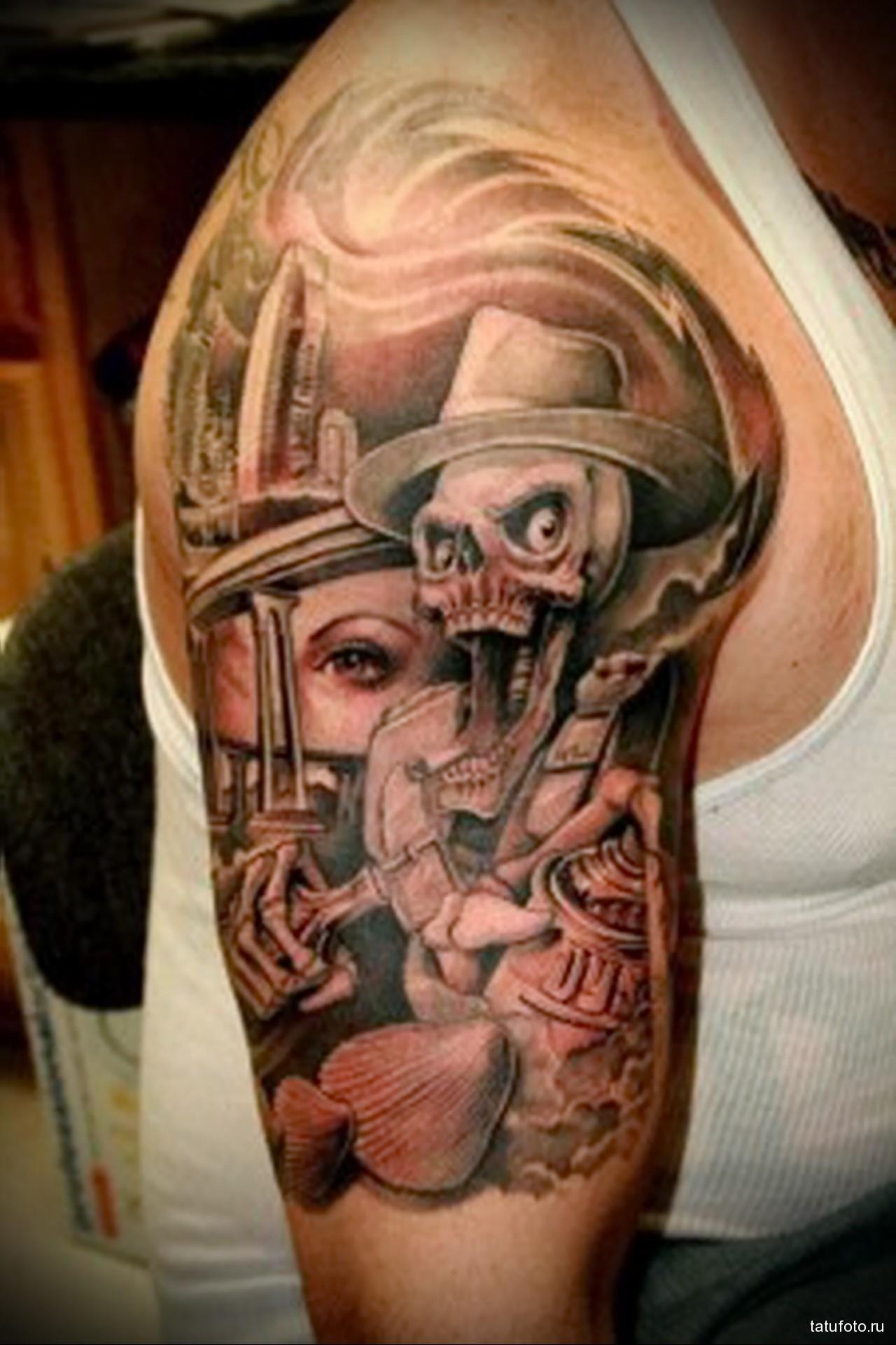 тату со страшеным черепом в шляпе - мужская татуировка на плече