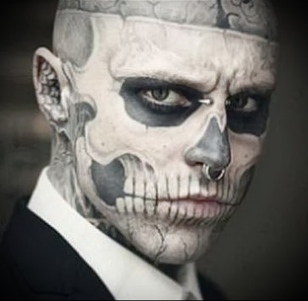 tattoo on the face of the skull
