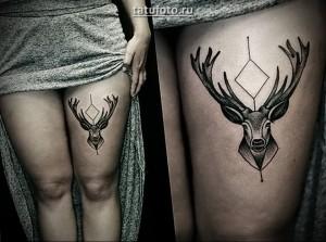 Пример татуировки с оленем у девушки