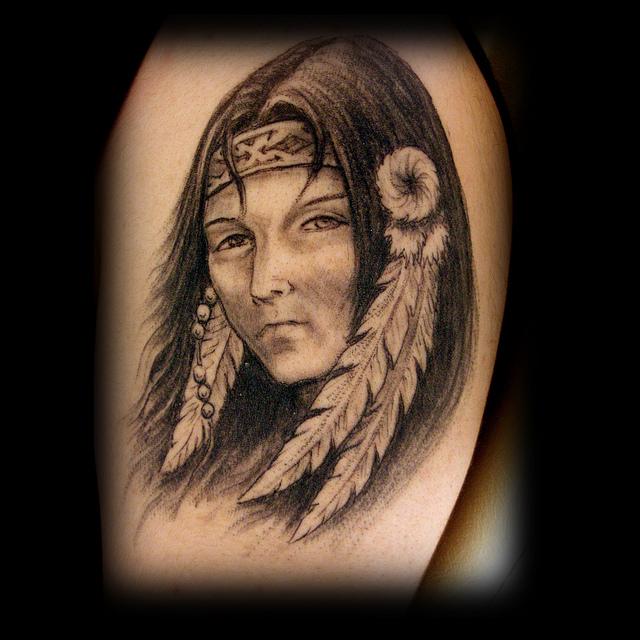 Девушка индианка в тату
