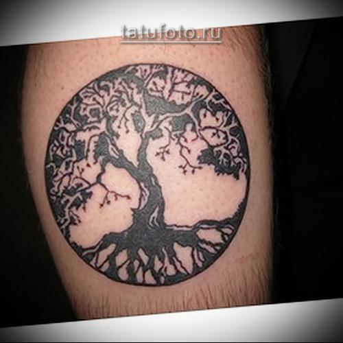 Дерево жизни тату вариант на ногу