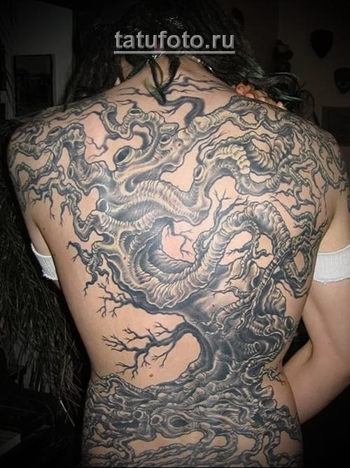 Дерево жизни тату - крупная татуировка на всю спину