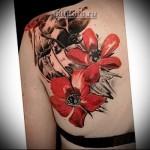 Трэш Полька Тату - красные цветы на лопатку для девушки