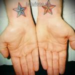 тату звезда на запястье - парная татуировка на 2 руки