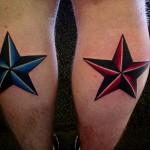 тату звезды разных цветов на ногах
