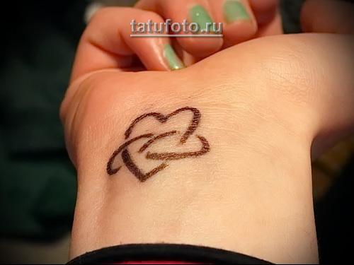сердечки на руке - тату женская