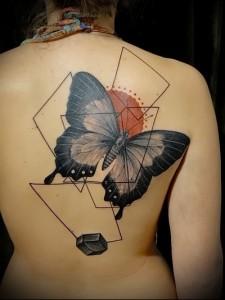 татуировка в виде бабочки фото