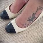 тату бабочки на ноге фото